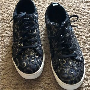 Aldo size 9- black and gold shoes